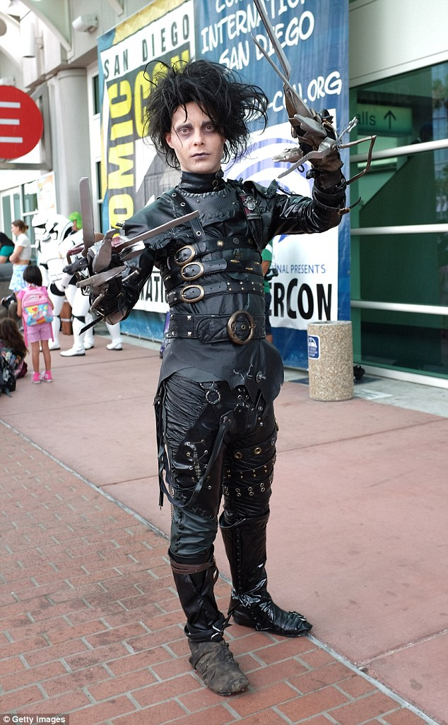 Is that you, Depp? Edward Scissorhands came to Comic-Con, complete with bird's nest hair
