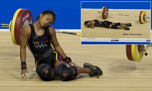 Woman collapses weightlifting at the Pan Am Games in Oshawa