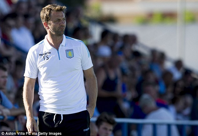Aston VIlla manager Tim Sherwood has praised the England midfielder's decision to stay with the club