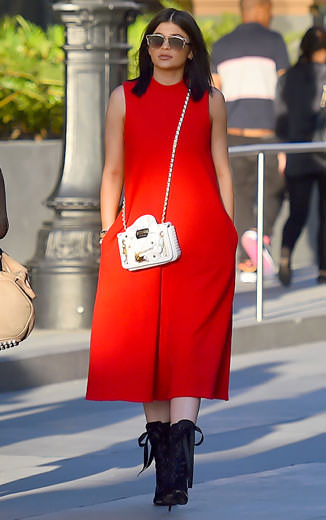 Kylie Jenner looked summery in fiery red