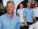 16.JULY.2015 - LONDON - UK *** EXCLUSIVE ALL ROUND PICTURES *** FORMER PROFESSIONAL FOOTBALLER GARY LINEKER AND HIS BOYS ARRIVE AT THE CHELSEA IVY GARDEN FOR DINNER AND A BOYS NIGHT OUT! BYLINE MUST READ : XPOSUREPHOTOS.COM ***UK CLIENTS - PICTURES CONTAINING CHILDREN PLEASE PIXELATE FACE PRIOR TO PUBLICATION *** **UK CLIENTS MUST CALL PRIOR TO TV OR ONLINE USAGE PLEASE TELEPHONE 0208 344 2007**