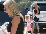 *** FEE OF £150 APPLIES FOR SUBSCRIPTION CLIENTS TO USE IMAGES BEFORE 22.00 ON 180715 ***\nEXCLUSIVE ALLROUNDERAlex Curran arrives home to be greeted by her daughter Lily-Ella\nFeaturing: Alex Curran, Lily-Ella\nWhere: Los Angeles, California, United States\nWhen: 17 Jul 2015\nCredit: Owen Beiny/WENN.com