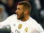 MELBOURNE, AUSTRALIA - JULY 18:  Karim Benzema of Real Madrid controls the ball during the International Champions Cup friendly match between Real Madrid and AS Roma at the Melbourne Cricket Ground on July 18, 2015 in Melbourne, Australia.  (Photo by Robert Prezioso/Getty Images)