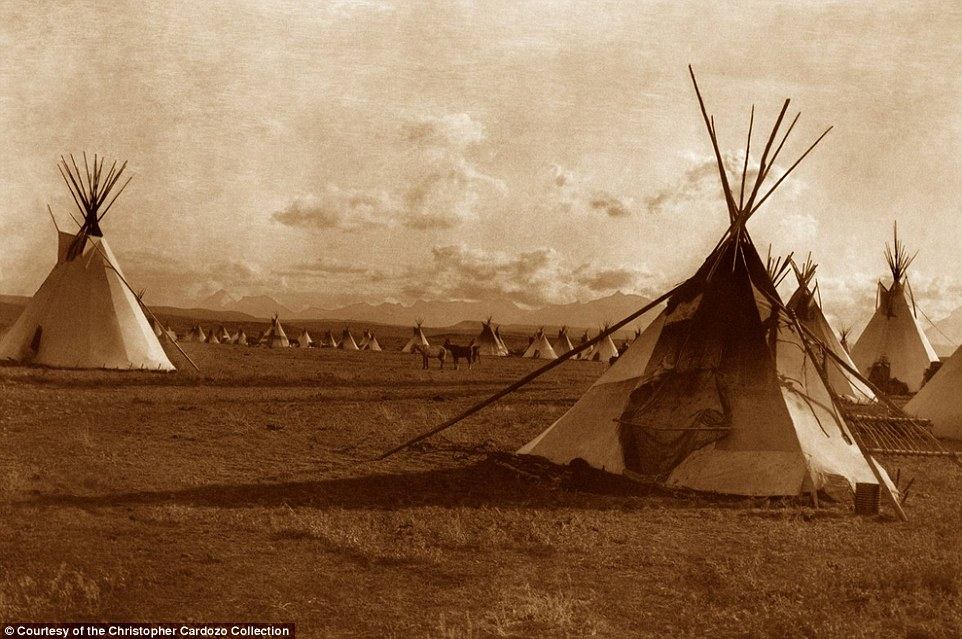Showcasing Edward S Curtis's compelling and important works, the publication highlights both iconic and rarely seen images