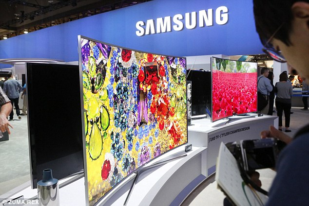 Samsung is developing a display crammed full of so many pixels that it reportedly produces a 3D effect, without the need for 3D glasses. Samsung showed off its 4k screens at CES in January, pictured above