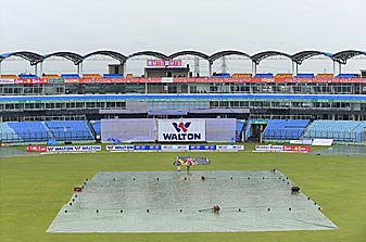 Rain washes out play on Day 4 of the first Test between Bangladesh and South Africa