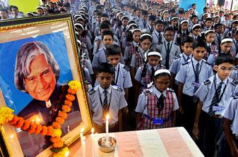 School children pays tribute APJ Abdul Kalam