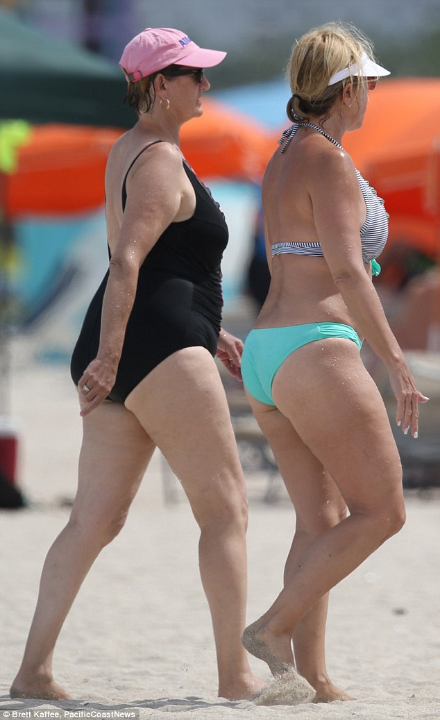 Vicky hit the beach with a gal pal and the pair also enjoyed soaking up some rays while on their beach break