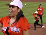 Salt-N-Pepa throw out first pitch at Miami Marlins game
