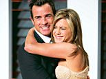 (FILES) Jennifer Aniston and Justin Theroux arrive for the 2015 Vanity Fair Oscar Party in Beverly Hills, California, in this February 22, 2015, file photo. Celebrity magazine People reports on August 6, 2015, that the couple married in a private wedding on August 5. AFP PHOTO/ADRIAN SANCHEZ-GONZALEZ/FILES