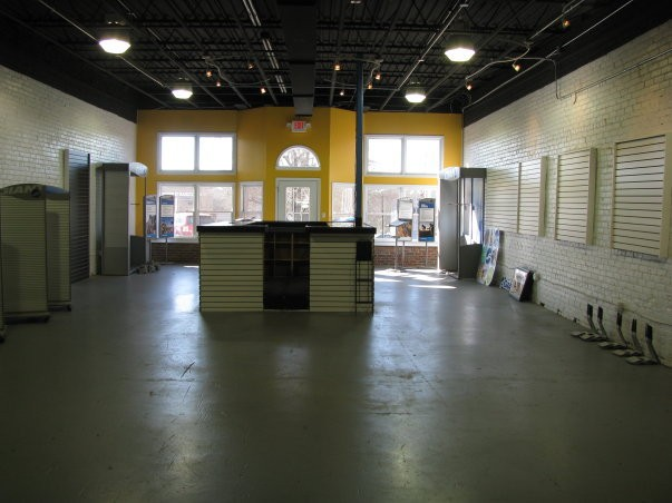 February 19th, 2010 Can hardly believe the shop was ever this empty.