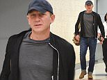 EXCLUSIVE: Daniel Craig arrives at JFK airport in NYC.  Pictured: Daniel Craig Ref: SPL1106076  190815   EXCLUSIVE Picture by: Ron Asadorian / Splash News  Splash News and Pictures Los Angeles: 310-821-2666 New York: 212-619-2666 London: 870-934-2666 photodesk@splashnews.com