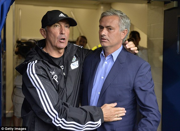 West Brom manager Tony Pulis (left) was unhappy at excluding Saido Berahino amid transfer unrest