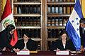 Cancilleres del Perú y Honduras acuerdan suprimir visas de turismo en el marco de Visita Oficial (10875175413).jpg