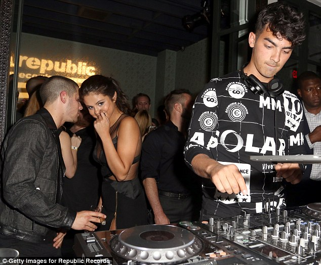Get back to your decks: Nick seemed hellbent on keeping Selena all to himself