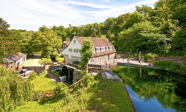 Go with the flow! Mills, water towers, lighthouses - all the options for those who love to