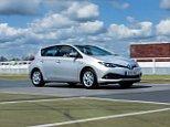 2015-Auris-Hybrid-exterior-dynamic-17.jpg