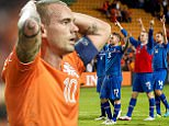 epa04911789 Iceland's players celebrate their victory after the UEFA Euro 2016 qualifying round soccer match between the Netherlands and Iceland at the Arena Stadium, in Amsterdam, The Netherlands, 03 September 2015.  EPA/KOEN VAN WEEL