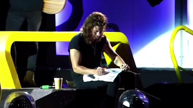Teacher: Harry then took out a pen and added the missing apostrophe and letter 'e' to make it 'You're so nice'