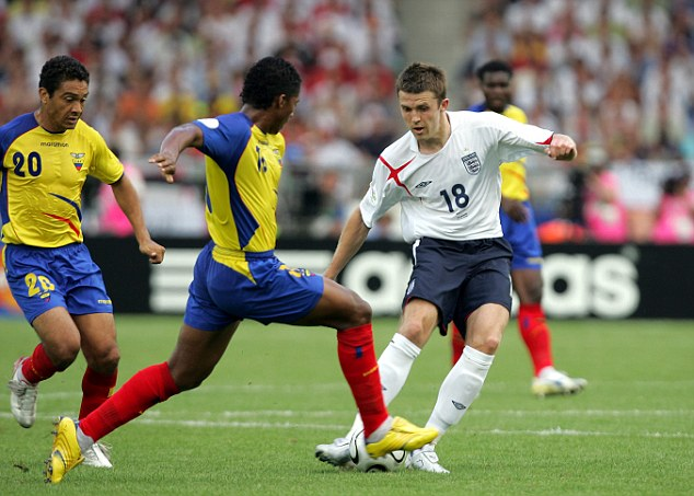 Carrick played against Ecuador in the 2006 World Cup second round but was dropped for the quarter-final