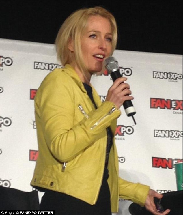 Fan favorite: Gillian took part in a Q&A at the Fan Expo in Toronto on Sunday before heading to the airport