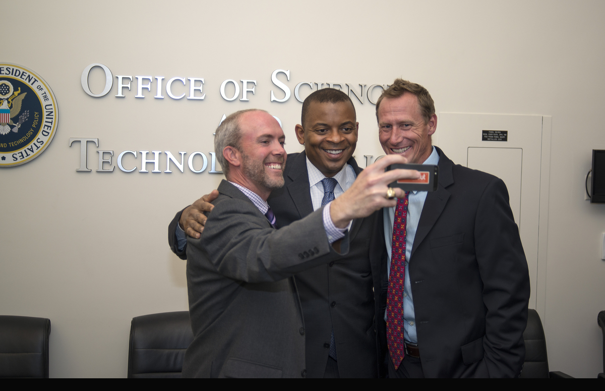 Photo of RideScout representatives taking a selfie with Secretary Foxx