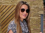 *** Fee of £150 applies for subscription clients to use images before 22.00 on 070915 *** EXCLUSIVE ALLROUNDERSam Faiers is seen covering her bump as she heads to work with Billie Faiers at their boutique Minnies in Brentwood. Featuring: Sam Faiers Where: Essex, United Kingdom When: 05 Sep 2015 Credit: WENN.com