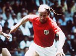 Bobby Charlton in action for England. WEST GERMANY Vs ENGLAND (2-2; 3-2 aet) FIFA World Cup 1970, quarter final, Estadio Nou Camp, Leon, Mexico.