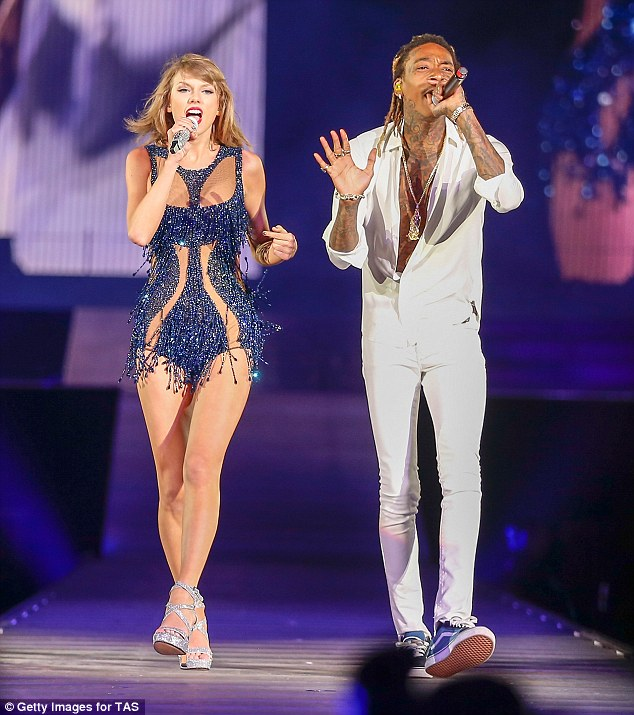 Taylor Gang! On Wednesday Wiz Khalifa became the latest star to duet with Taylor Swift on her 1989 world tour