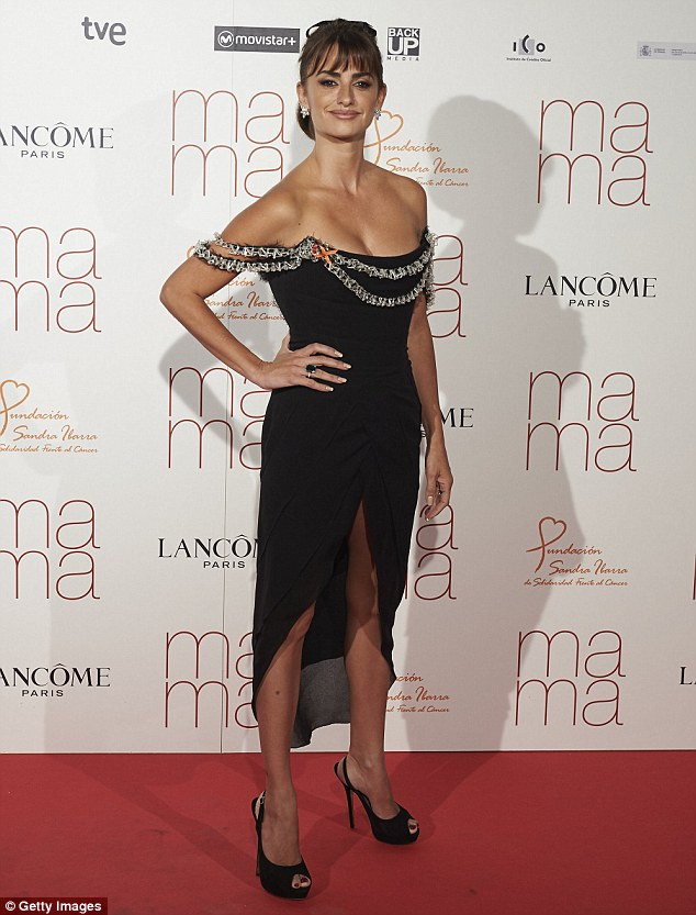 Standing tall: She added an envy-inducing pair of black heels with a peep toe to her ensemble, which was otherwise fuss-free