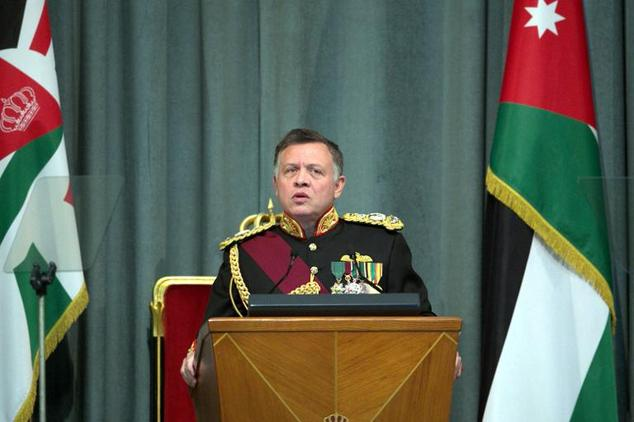 Jordanian King Abdullah II gives a speech during the second regular session of the parliament in Amman on November 2, 2014