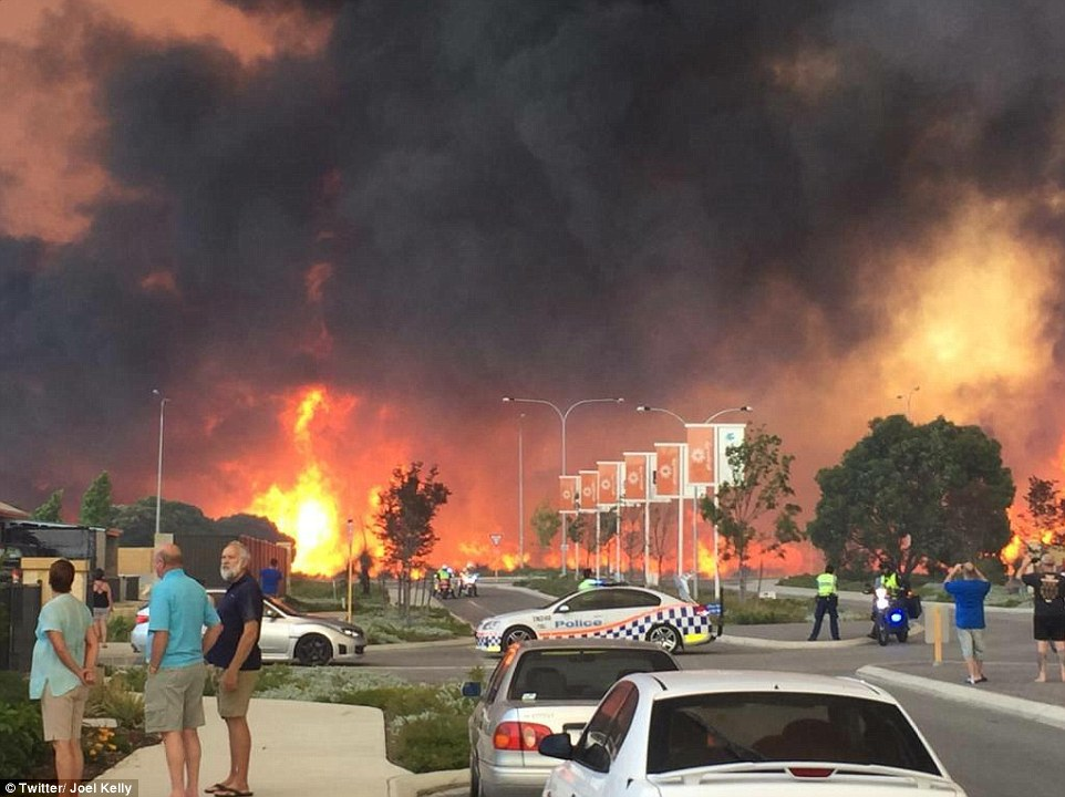 An emergency warning was issued to the people around Whiteman Park and people started to evacuate the area