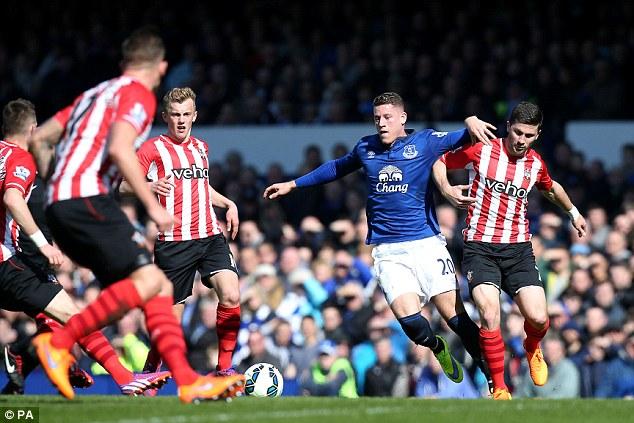 Everton midfielder James McCarthy believes Ross Barkley is capable of handling the pressure on him