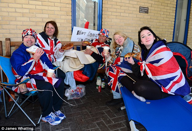 The Duke and Duchess of Cambridge have thanked the 'superfans' camping outside Lindo Wing of St Mary's Hospital, where their new baby is due to be born by sending them coffee and croissants