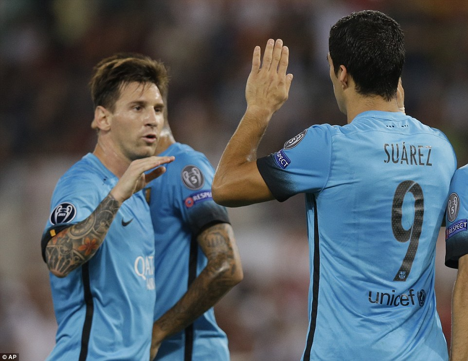 Barcelona superstar Messi was one of the first players to congratulate Suarez after his goal against the Italian outfit