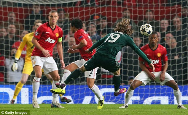 Turning the screw: Luka Modric lets fly from distance to level matters at Old Trafford