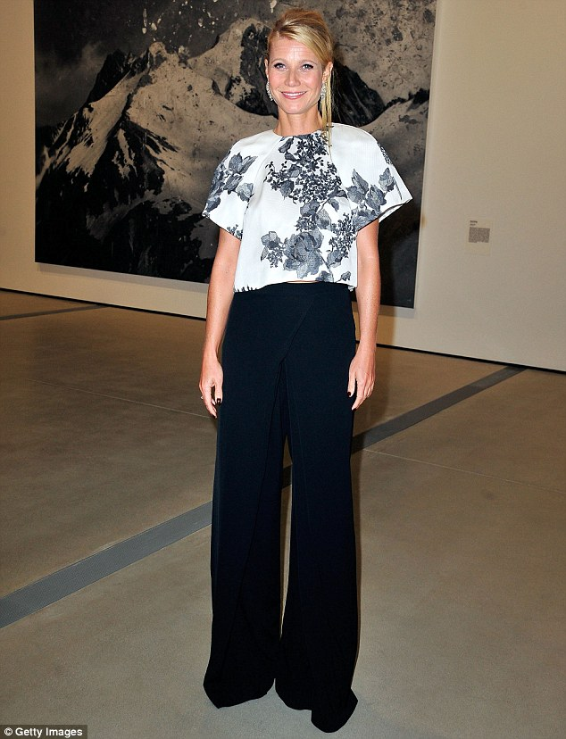 Stunny star:The Shallow Hal star looked poised and graceful in her black and white look, with her boxy top which boasted wide sleeves which accentuated her toned arms