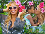 17.SEPTEMBER.2015\nBEYONCE SEEN IN THIS CELEBRITY TWITTER PICTURE!\nBYLINE MUST READ: SUPPLIED BY XPOSUREPHOTOS.COM\n*Xposure Photos does not claim any Copyright or License in the attached material. Any downloading fees charged by Xposure are for Xposure's services only, and do not, nor are they intended to, convey to the user any Copyright or License in the material. By publishing this material , the user expressly agrees to indemnify and to hold Xposure harmless from any claims, demands, or causes of action arising out of or connected in any way with user's publication of the material*\n**UK CLIENTS MUST CALL PRIOR TO TV OR ONLINE USAGE PLEASE TELEPHONE  +44 208 344 2007**