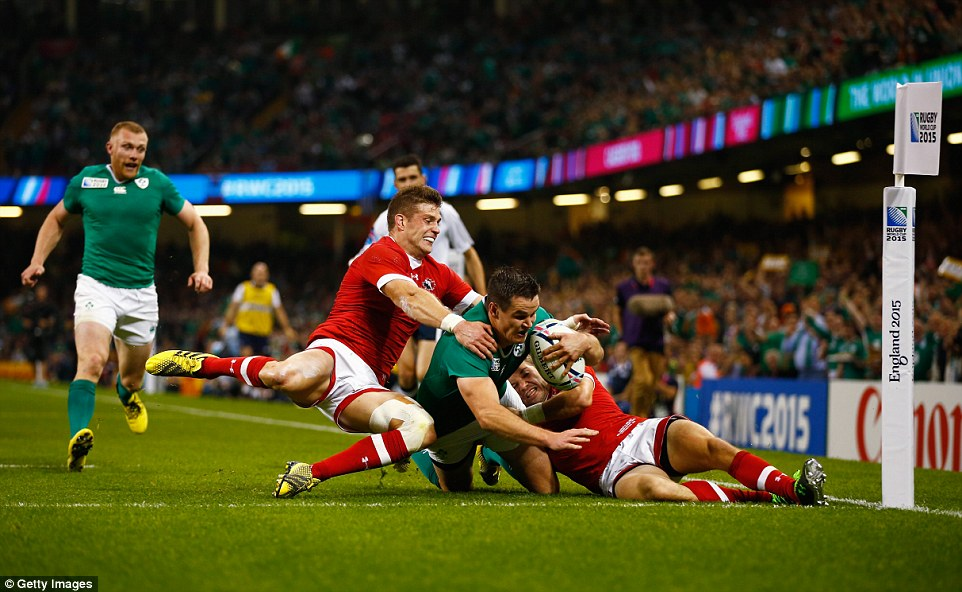 The 30-year-old successfully scores the third try of the evening for Ireland as Joe Schmidt's side ease to victory in their opening clash