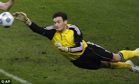 United front: Hugo Lloris wants a move to Man United
