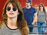 21.SEPT.2015 - LOS ANGELES - USA\n***AVAILABLE FOR UK AND GERMANY SALE ONLY ***\n**EXCLUISVE ALL ROUND PICTURES**\nHOLLYWOOD COUPLE JAVIER BARDEM AND PENELOPE CRUZ ARRIVE AT JFK WITH THEIR KIDS LUNA AND LEO. CRUZ KEPT HER LOOK COMFY AND SIMPLE WITH A STRIPPED TEE, JEANS AND FLIP-FLOPS!\nBYLINE MUST READ: XPOSUREPHOTOS.COM\n***UK CLIENTS - PICTURES CONTAINING CHILDREN PLEASE PIXELATE FACE PRIOR TO PUBLICATION ***\n*UK CLIENTS MUST CALL PRIOR TO TV OR ONLINE USAGE PLEASE TELEPHONE 0208 344 2007*