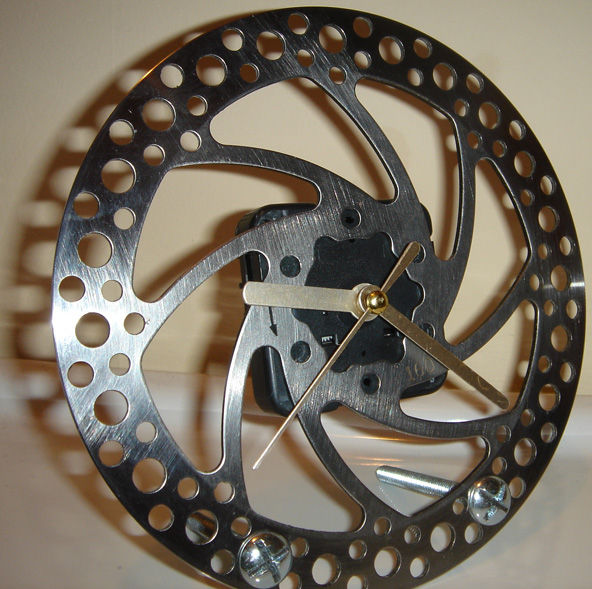 C:\Documents and Settings\SerJ\My Documents\Instructables\1 - Brake Disc Clock\DSC03640.JPG