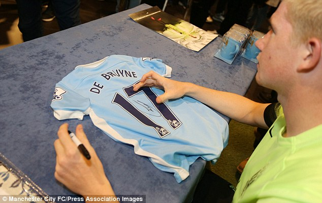 Fans turned up in force to meet their club's new signing ahead of their home clash against West Ham