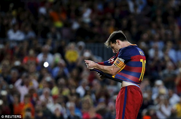 Messi shows his frustration after missing a penalty during Sunday's win at the Nou Camp