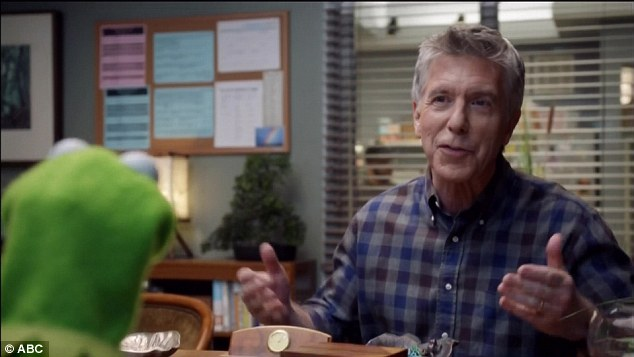 The guest star: Tom Bergeron, host of ABC's Dancing With The Stars, agreed to step in at the last minute and appear on Up Late With Miss Piggy