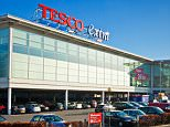 CCAXJ1 Tesco Extra Supermarket carpark Long eaton town Derbyshire Nottinghamshire England UK GB EU Europe