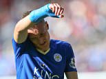 LEICESTER, ENGLAND - SEPTEMBER 26:  A dejected looking Jamie Vardy of Leicester City during the Barclays Premier League match between Leicester City and Arsenal at The King Power Stadium on September 26, 2015 in Leicester, United Kingdom.  (Photo by Catherine Ivill - AMA/Getty Images)