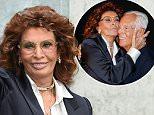 MILAN, ITALY - SEPTEMBER 28:  Sophia Loren arrives at the Giorgio Armani show during the Milan Fashion Week on September 28, 2015 in Milan, Italy.  (Photo by Venturelli/WireImage)