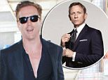 21.SEPTEMBER.2015 - LOS ANGELES - USA\nDamian Lewis flashes a smile and a peace sign to the cameras as he makes his way through LAX Airport.\nBYLINE MUST READ : XPOSUREPHOTOS.COM\n*AVAILABLE FOR UK SALE ONLY*\n***UK CLIENTS - PICTURES CONTAINING CHILDREN PLEASE PIXELATE FACE PRIOR TO PUBLICATION ***\n*UK CLIENTS MUST CALL PRIOR TO TV OR ONLINE USAGE PLEASE TELEPHONE 0208 344 2007*