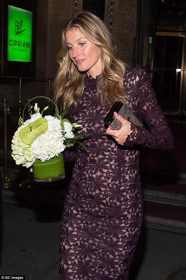 No special treatment: It appeared that the honorees all received a potted plant award